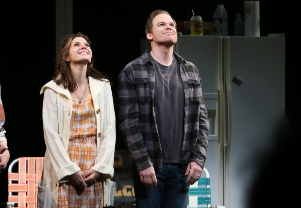 Hall com Marisa Tomei em abril na Broadway, com a peça 'The Realistic Joneses' (Foto: Astrid Stawiarz/Getty)