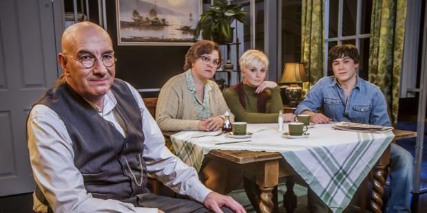 Novo elenco de 'Till Death Us Do Part' (Fotos: BBC)