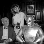 Howard da Silva e Marianna Hill em 'I, Robot'