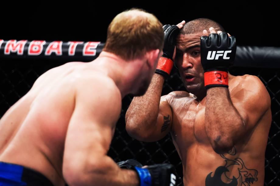 Sergio Moraes enfrenta Zac Ottow, na primeira luta do card principal do UFC Fight Night, no Ginásio do Ibirapuera - 19/11/2016