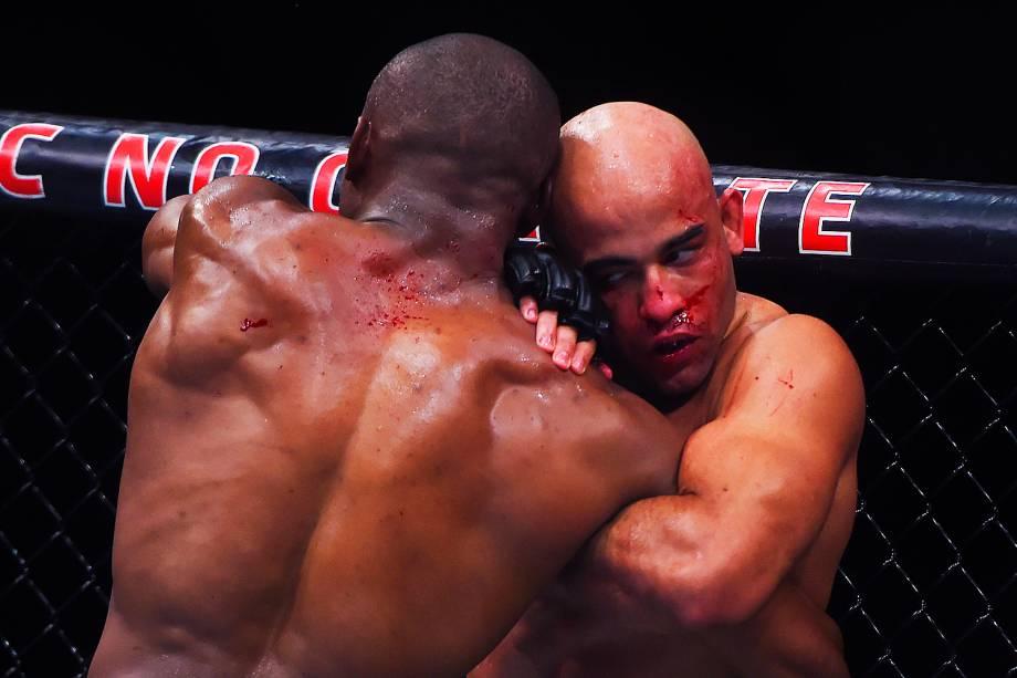 Warlley Alves enfrenta Kamaru Usman na segunda luta do card principal do UFC Fight Night, no Ginásio do Ibirapuera, em São Paulo (SP) - 19/11/2016