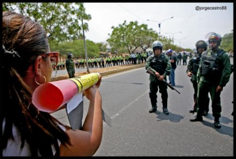 Venezuela 1 - cartolina contra armas