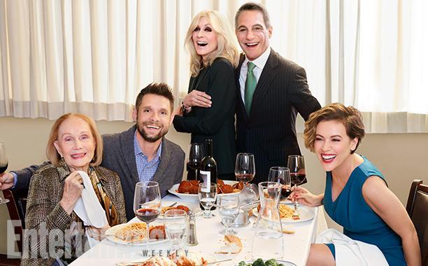 (E-D) Katherine, Danny, Judith, Tony e Alyssa hoje. (Fotos: