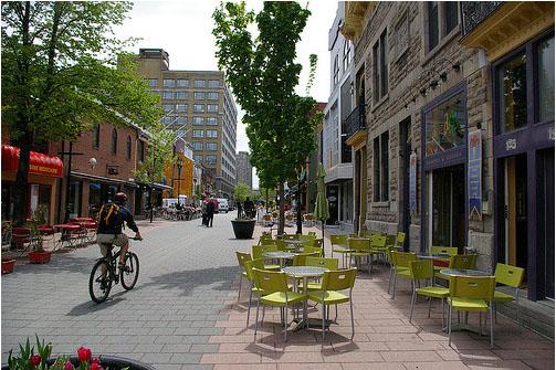 Para Speck, carros, bicicletas e pedestres devem compartilhar espaços quando o fluxo é baixo