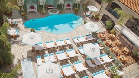 Algumas cenas de Vivan, a personagem de Julia Roberts em 'Uma Linda Mulher', de Gary Marshall, foram gravadas no Beverly Wilshire, em Beverly Hills, na Califórnia.