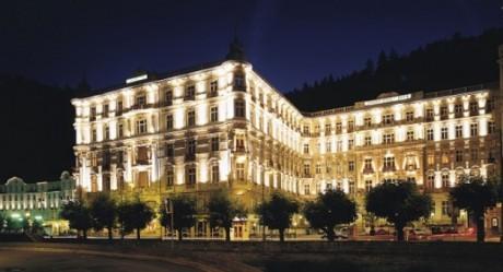 O agente secreto James Bond de '007 Cassino Royale', de Martin Campbell, passou pelo Grandhotel Pupp em Karlovy Vary, na República Tcheca.