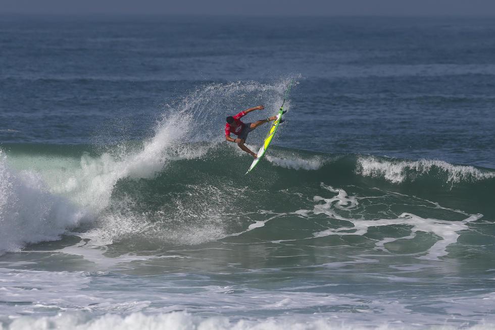 Ítalo Ferreira teve a maior somatória do dia (Foto:  Smorigo/WSL)