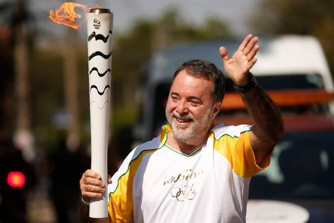 Revezamento da Tocha Olimpica para os Jogos Rio 2016