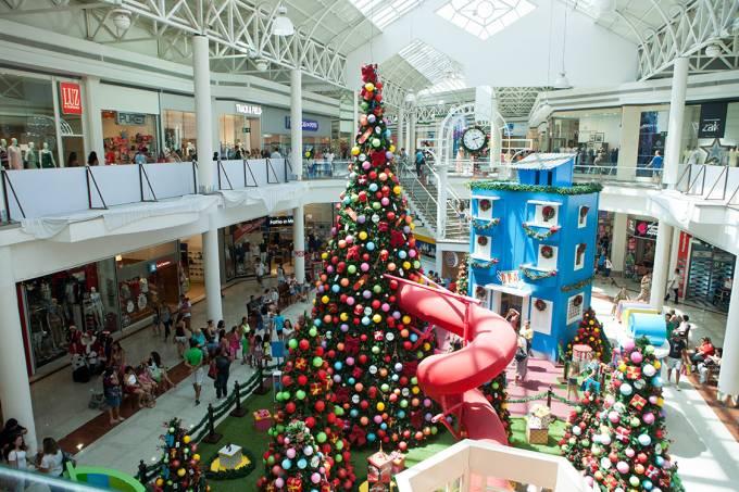 Shopping Center em véspera de Natal na cidade de Belo Horizonte, Minas Gerais