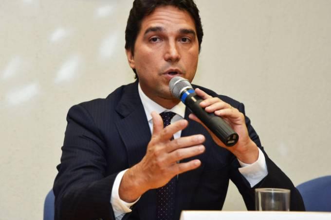 alx_brasil-politica-fabio-ferreira-cleto-caixa-20160617-01_original