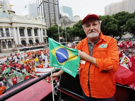 alx_brasil-politica-protestos-sindicais-20150313-06_original