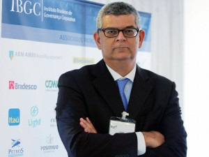 Monteiro, CFO: Tiro na água