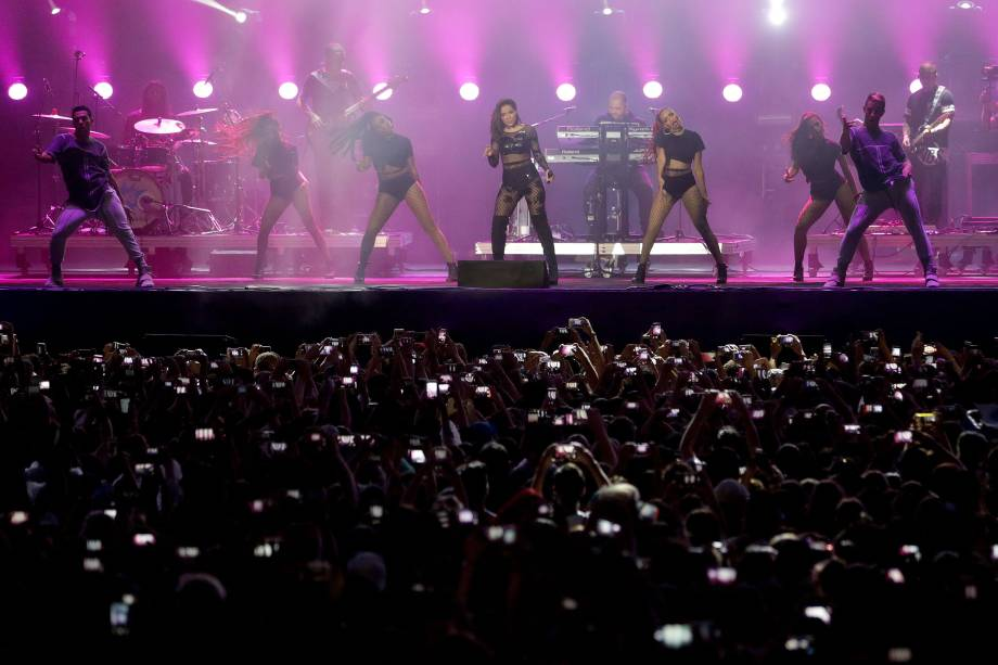 Anitta se apresenta durante o Festival Z no Allianz Parque em São Paulo