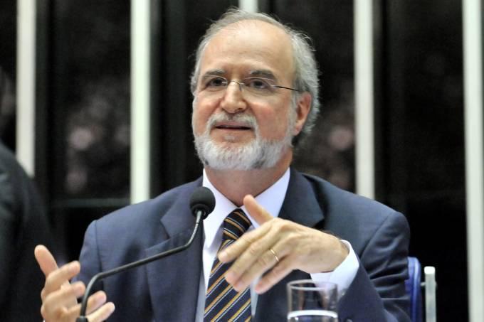 Eduardo Azeredo (PSDB) – TJ-MG determina prisão