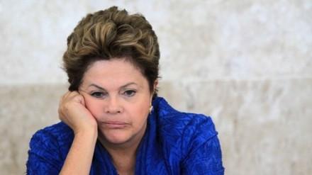 Dilma-amuada-_-Foto-O-Globo-440×247