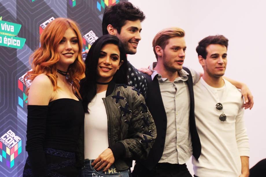 Elenco da série ´Shadowhunters´  concede entrevista coletiva durante o quarto dia da Comic Con Experience - 04/12/2016