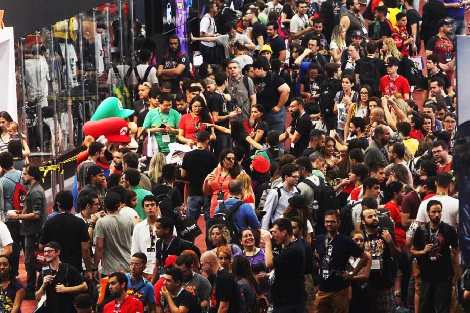 Movimentação do público no terceiro dia da Comic Con Experience, realizada na São Paulo Expo, zona sul da capital paulista - 03/12/2016