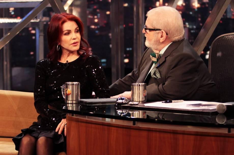 """Jô Soares entrevistando Priscilla Presley, ex-esposa de Elvis Presley no programa """"Programa do Jô"""", da Rede Globo - 10/07/2012"""