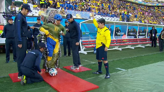 esporte-futebol-copa-exoesqueleto-20140612-001-size-620