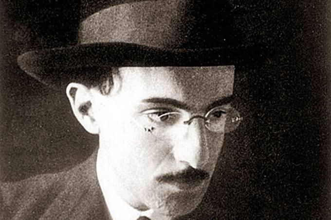 Fernando Pessoa, poeta português.