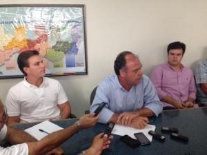 Bezerra Coelho e os filhos: o ministeriável é o da direita