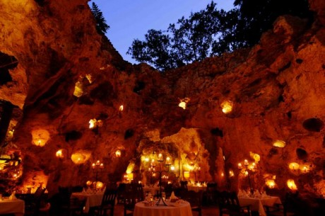 Ali Barbour's Cave Restaurant (Diani Beach, Quênia)