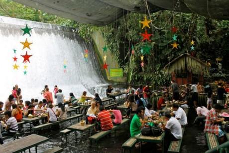 Labassin Waterfalls Restaurant (San Pablo, Filipinas)