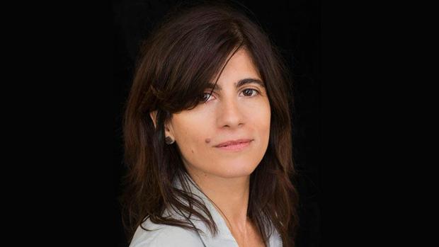 A escritora e jornalista argentina Graciela Mochkofsky (Crédito: Daniel Mordzinzki/Divulgação)