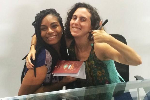 Youtuber Jout Jout dá autógrafos na Bienal do Livro de São Paulo 2016 (Crédito: Rafael Aloi/VEJA)