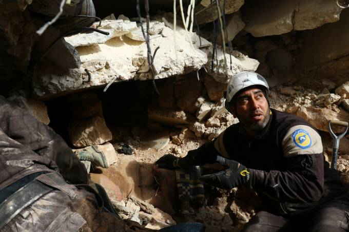 Imagens do dia – Destruição em Alepo na Síria