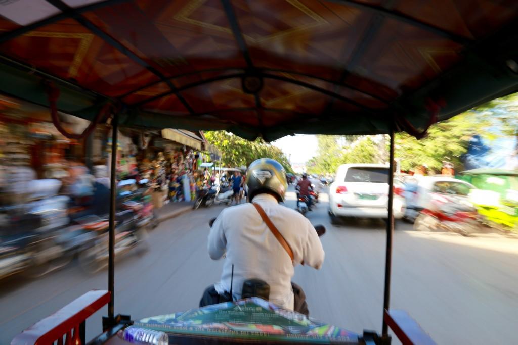 Uma das aventuras a bordo de um tuk-tuk em Siam Reap