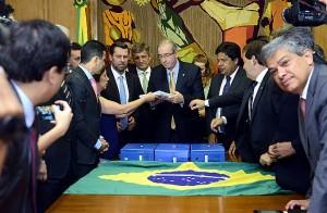 Oposição dá até dia 15 para Cunha