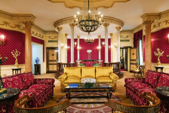 Imperial_Suite_Living_Room