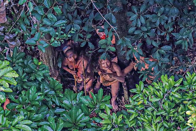 Fotógrafo registra Índios isolados no estado do Acre