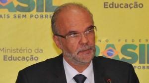 Costa: mantido na Educação