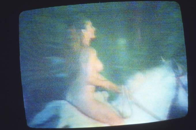 maitecc82-proenccca7a-cavalgando-nua-na-novela-_dona-beija_-da-tv-manchete
