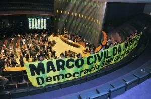 Marco Civil: resultado de um esforço de sete anos ; mas um projeto de lei pode negá-lo em apenas nove meses
