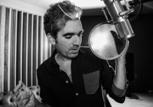 Max: o tributo a Prince vem acompanhado pelo lançamento do single Disposição, que encerra um auto-exílio de dez anos