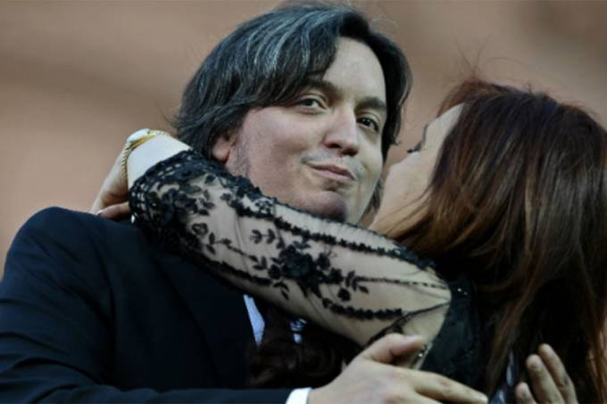 Máximo with his mother, Argentinean president Cristina Kirchner(EFE)