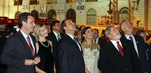 Adriana Ancelmo, mulher do ex-governador do Rio Sérgio Cabral, foi alvo de condução coercitiva na manhã desta quinta-feira. Seu marido foi preso preventivamente pela PF (AE/VEJA)