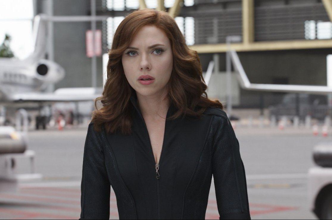 Scarlett Johansson como Viúva Negra em 'Capitão América: Guerra Civil': coadjuvante com valor de protagonista