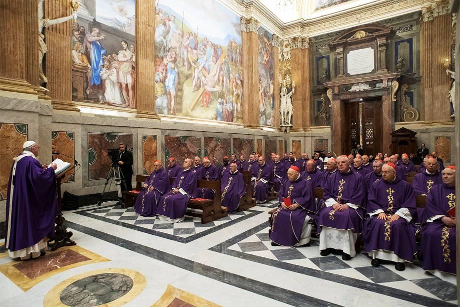 O Papa Francisco celebra neste sábado o seu 80º aniversário com uma missa matinal com seus cardeais no Vaticano - 17/12/2016