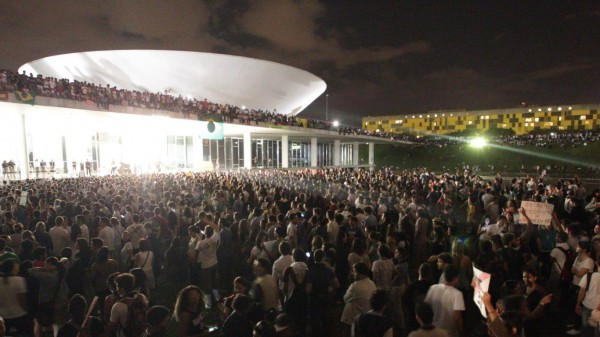 protesto-brasilia1-600×337