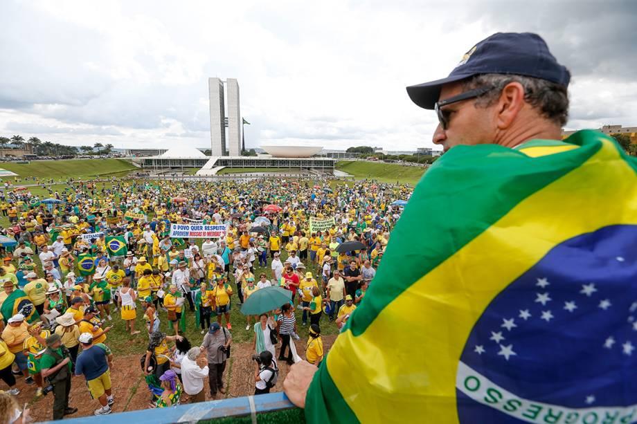 Protesto contra a corrupção, em apoio ao juiz Sérgio Moro e à operação Lava Jato, em frente ao congresso nacional, em Brasília