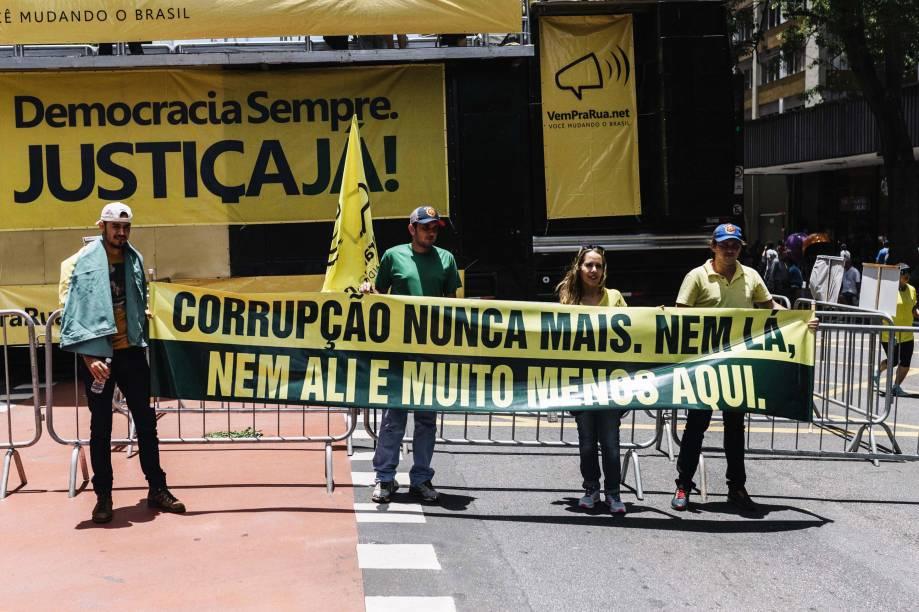 Protesto na Avenida Paulista contra a corrupção, em São Paulo
