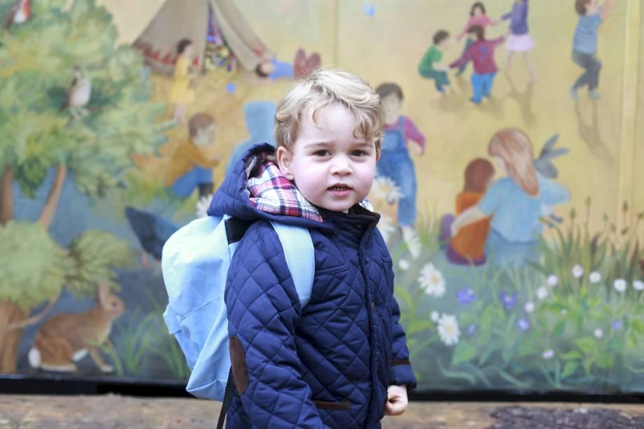 Príncipe George em seu primeiro dia na creche Westacre Montessori School em Norfolk, na Inglaterra