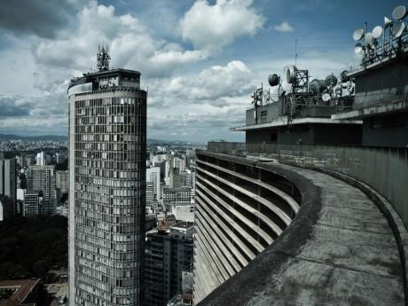 9) O Edifício Itália e o Copan são superestimados