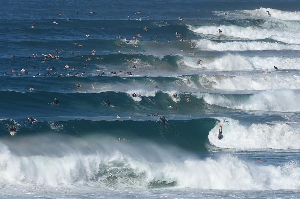O crowd em Gold Coast, onde ocorre o Quiksilver Pro, é constante (Foto: Matt Roberts/Getty Images)