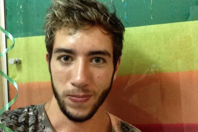 Talles De Oliveira Faria, aluno do ITA que protestou contra a homofobia usando vestido e salto alto durante a colação de grau da instituição