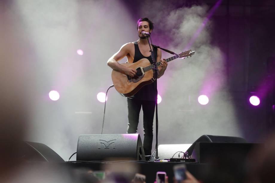 Tiago Iorc se apresenta durante o Festival Z no Allianz Parque em São Paulo